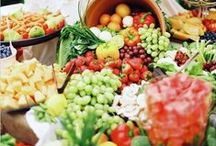 Wedding Reception Snacks / Wedding reception snacks and food inspiration for your wedding!