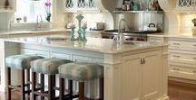 Kitchen Islands / Kitchen island design and inspiration.