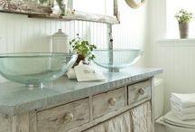 home decor - bathroom / by Suzette Spencer