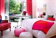 Teenage girl's bedroom / http://veredrosendesign.blogspot.com/2012/07/blue-rooms.html