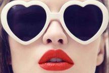 Beauty experts / Cudne oczy, usta i policzki... Najlepsze stylizacje i kosmetyki według projektantów, bloggerów i trendsetterów - czyli rasowych znawców piękna!