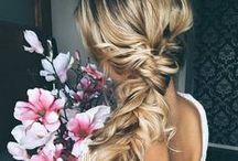 Fryzury - style, trendy, nowości, kosmetyki / Najmodniejsze fryzury, krótkie, długie, koki - to się będzie nosić! Podpowiadamy też, przy użyciu jakich kosmetyków je wykonać.