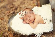 Newborn Photo Ideas / Darling newborn photo ideas to capture and hold on to your baby's first days! / by Whitney {Beauty in the Mess}