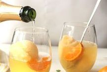 The Best Champagne Cocktails / You won't believe your tastebuds when you try these delicious champagne drinks! They make for some of the best brunch recipes, not to mention cocktail recipes and desserts. From Prosecco cocktails to cocktails involving good champagne, it's really hard to pass up these fancy wine cocktails.