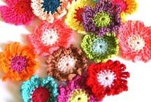 Crochet - flowers / leaves  / by Koffie Koekje