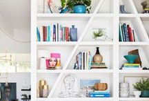 Bookcase Decorating Ideas / Ideas for decorating a bookcase.  Living room.  Office.  Bedroom.  Options.  DIY.  Do it yourself.