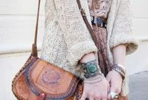 I could SO wear that! / by Caroline Guf