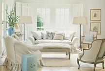 White sofa inspiration / SAR #homestaging Instructors & staff spot inspiration using white sofas. http://stagingandredesign.com