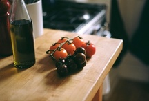 Tomatoes / Growing, eating, photographing, and worshiping tomatoes.
