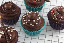 Cupcakes & Cupcake Decor / by Jamie Schler