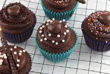 Cupcakes & Cupcake Decor / by Jamie Schler