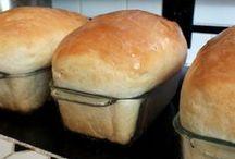 Bread Recipes / Artisan, bread machine, cornbread, cinnamon rolls...