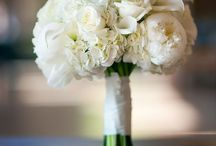 Wedding flowers / Ideas for the wedding / by Lisa Kamolnick