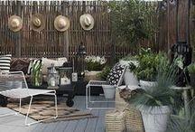 Belles terrasses & urban gardening / Les plus belles terrasse pour vous faire rêver de verdure sont ici. Du mobilier design au chaises en fer forgé, les meubles de jardin sont eux aussi présents dans ce board.