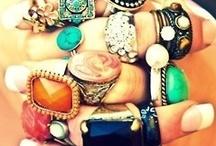 Accesorios, ropa, zapatos, maquillaje, estilos...uff si yo pudiera... / by Fabiola Rosales