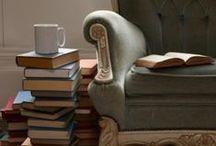 Book Nook / by Alli Linde