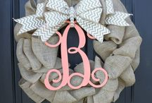 Crafty Wreaths & Door Hangers To / by Tricia Allen