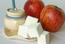 L'Shanah Tovah / Ideas for Rosh Hashana. / by Emily Chamberlin