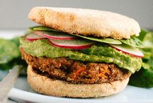 Clean Eating - Veggie Burgers and Patties / by Leah Pesso