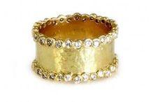 sparkle / Jewelry I Love / by Pressly Clinton Smith