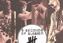 5SOS love :) / by Emily Reuvers