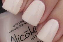 nails / by Jazmin Mendoza
