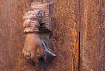Doors & Knockers / Close the door!