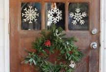 A Chic Holiday Home / Holiday Decorations / by Catherine Moss