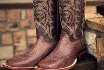 Justin Cowboy Boots / Get a classic pair of Justin boots at a great price, only at Cavender's. We carry a full line of Justin cowboy boots and Justin work boots for your every need.