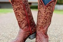 Old Gringo Cowgirl Boots / Old Gringo boots from Cavender's blend fashion with timeless quality. Shop our extensive line of Old Gringo cowboy and cowgirl boots, always at great prices.