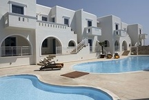 Lagos Mare - Naxos  / Experience absolute comfort and undiminished personal care in the chic ambiance of Lagos Mare Hotel in Naxos. Lagos Mare is a luxury Naxos hotel situated in Agios Prokopios, ideally close to one of Europe's most wonderful beaches with soft sand and crystal clear water. Created to reflect Cycladic finesse with its clear lines and smooth curves, this Naxos hotel manages to fulfil your holiday dreams in its supreme setting.