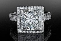 It's Hip To Be Square / We think its hip to be square! Browse our beautiful square cut diamond jewelry.