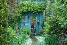 Secret Garden / by Leticia Kazemi
