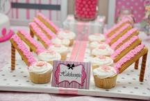 Cupcakes  / by Rebecca Cramm