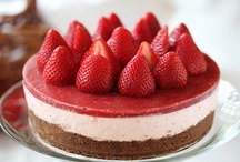 Sweet Treats - Cheesecakes, Mousse & Pudding / by Ria Sunny