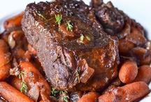 Recipes - Beef / by Nicole Sgueglia