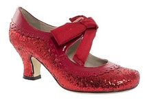 choisir des chaussures / Shoes / by Jean Panyard-Davis