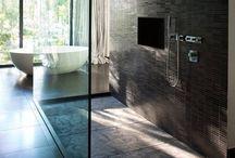 bathroom / by Virginie Déjean