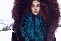 Fashion / Woman high fashion suit