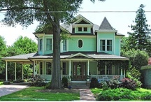 Neighborhood - Historic Oakwood - Raleigh, NC / www.FindNCStyleHomes.com is your destination for finding homes in the NC Triangle including Raleigh, Cary, Apex, Holly Springs, Chapel Hill, Durham, and surrounding areas. Call 919-578-3111 for more information and for a free relocation guide.
