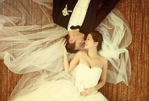 Great Wed/Engmnt Pics / Amazing photos of wedding and engagement photos. Photographers are artists! / by Jacqueline Gaithe