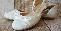 Flache Brautschuhe -  Die schönsten Modelle der Saison / Die schönsten flachen Brautschuhe der Saison. Zauberhafte Brautschuhe mit ganz kleinem Absatz. Bequem und wunderschön zugleich!