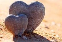 Hearts <3 / I love LOVE and hearts / by Kari Reyes