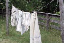 Fresh Linen / Frisse was. Buiten de was drogen. Mooi oud linnen.  Fresh linen