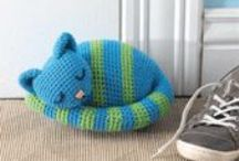 Amigurumi Patterns and Ideas / Learn how to crochet amigurumi and crochet toys by finding the perfect amigurumi tutorial and amigurumi pattern! / by Crochet Me