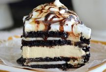 Recipes: Cakes, Brownies & Bars / by Michelle Chaprnka