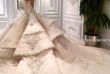 Wedding Dress / Find the perfect dress to fit your figure OR, if you are a wedding planner, use this board to help your bride to find THE dress of a lifetime