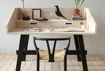 Un bureau à la maison / Des idées déco pour se créer un espace bureau à la maison. Inspiration pour créer un espace de travail chez soi, trouver un joli secrétaire à installer dans sa salle à manger ou dans son salon