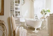 Bathrooms / by Angelina Raso