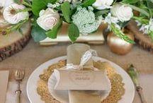 Gold Glitter Wedding Flowers / Inspiration for gold glitter wedding decorations & flowers to compliment